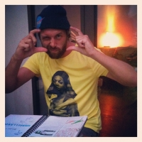 Awanto3 aka Steven de Peven rocking the shirt! | Sassy J